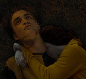 Willa on Cedric's dead body