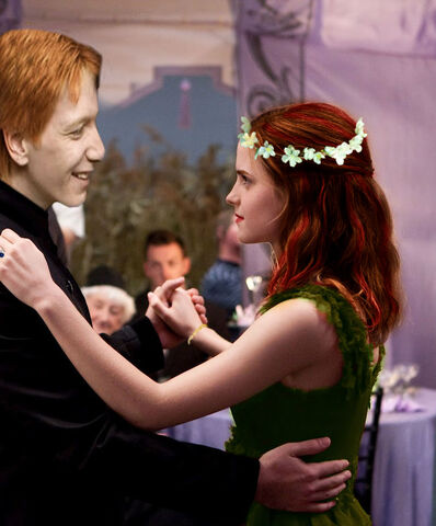 File:Willa-and-fred-dancing-at Rose and George's wedding.jpg