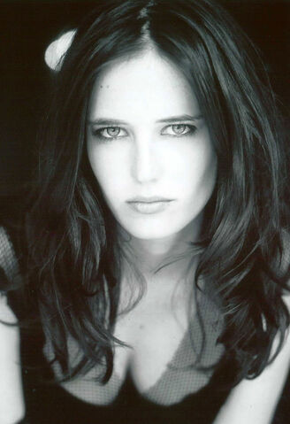 File:Eva-Green-Morgan-Camelot.jpg