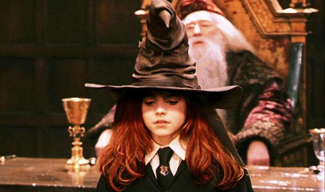 File:Willa sorted into Gryffindor.jpg