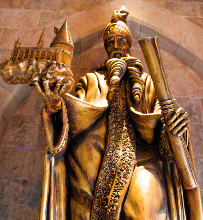 File:Ambratorix Statue.jpg