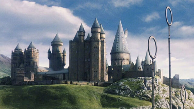 ملف:Hogwarts.jpg