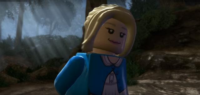 File:Luna Lego Minifigure.png