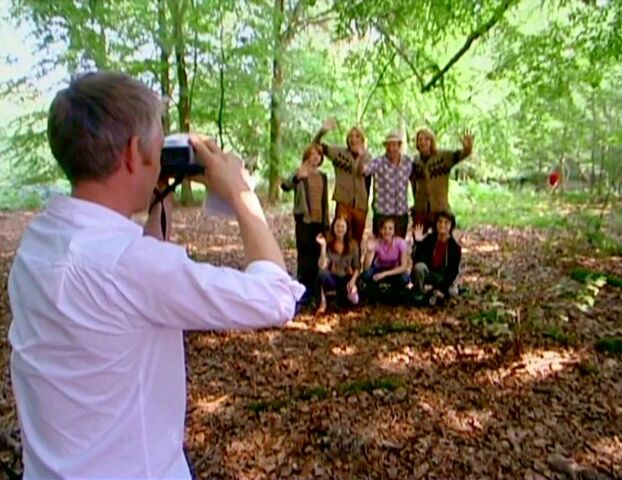 File:Harry Potter casts taking pictures (HP4).JPG