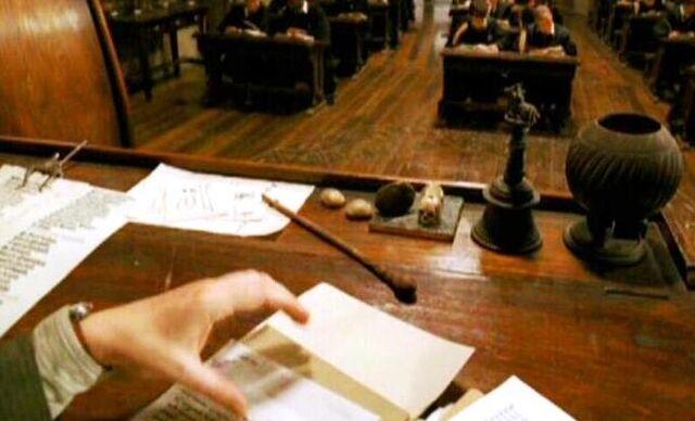 File:Remus Lupin's wand.jpg