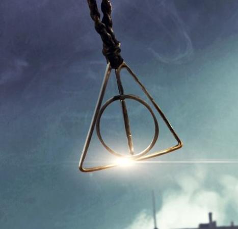 File:Grindelwald necklace.png