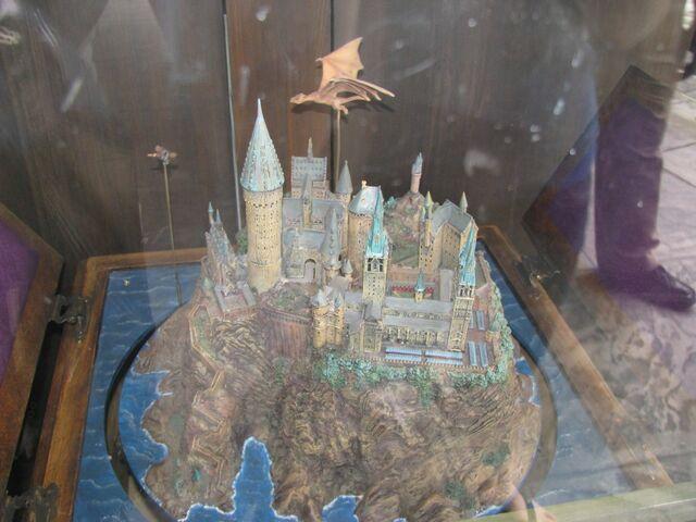 File:Hogwarts model.jpg
