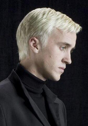 File:Draco-Malfoy-promo-draco-and-slytherin-22383941-1920-2560.jpg