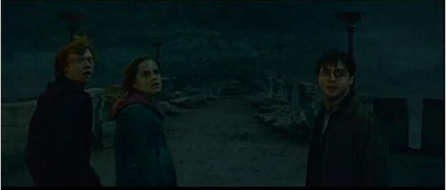 File:HPDH2 Ron , Hermione and Harry.jpg