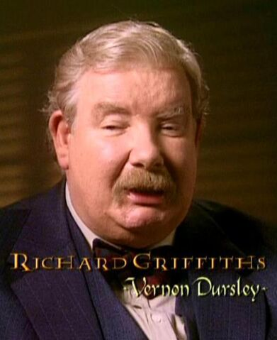 File:Richard Griffiths (Vernon Dursley) CoS screenshot.JPG