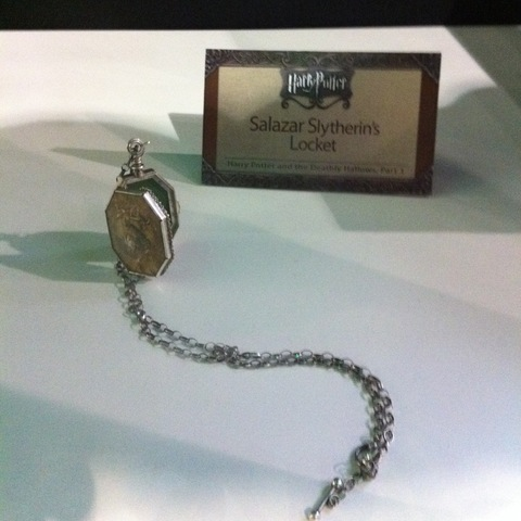 File:Salazar Slytherin's Locket (DH film).jpg