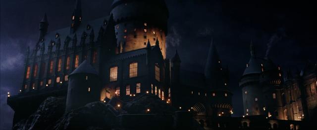 Ficheiro:Hogwarts-PS.png