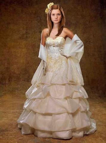 File:Ginnyatfleurswedding.jpg