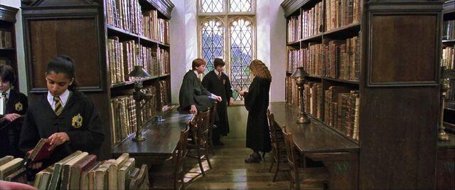 File:Harry-potter2-library.jpg