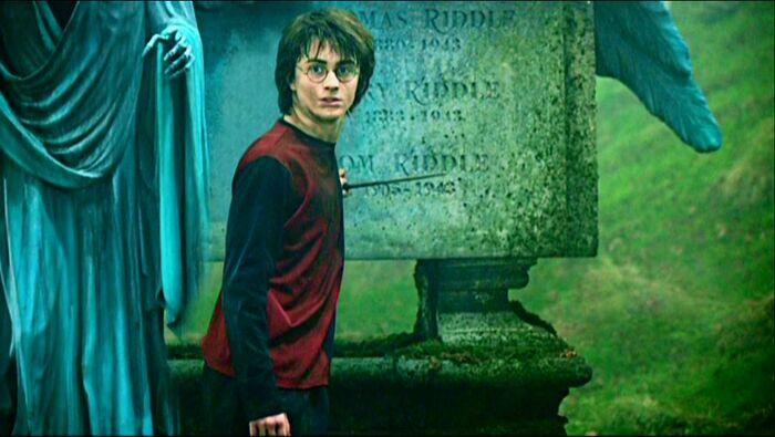 Harry Potter in Little Hangleton Graveyard