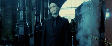 File:Voldemort King's Cross.jpg