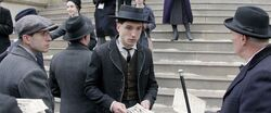 Fantastic-beasts-credence bank