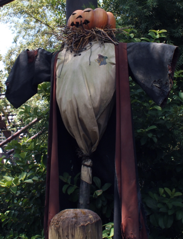 File:ScarecrowWWOHP.png