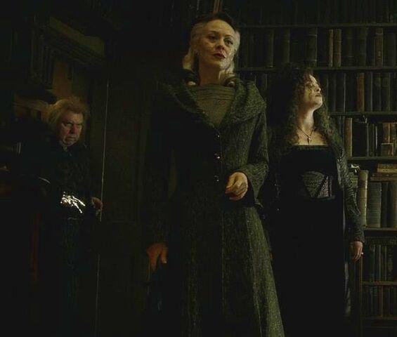 File:Peter Pettigrew, Narcissa Malfoy and Bellatrix Lestrange at Spinner's End 01.JPG