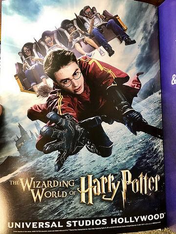 File:Wizarding World Hollywood Banner.jpg