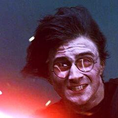 Гарри Поттер использует
