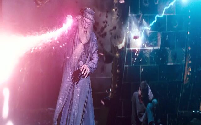 File:Dumbledore fighting Voldemort in the Duel in the Ministry Atrium.jpg