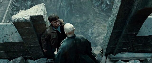 File:Harry and Voldemort on astronomy tower.JPG