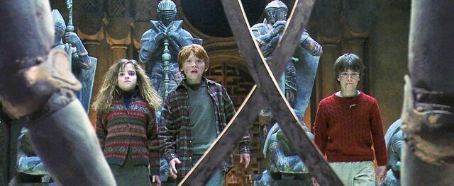 File:Harry-potter1-trio chess.jpg