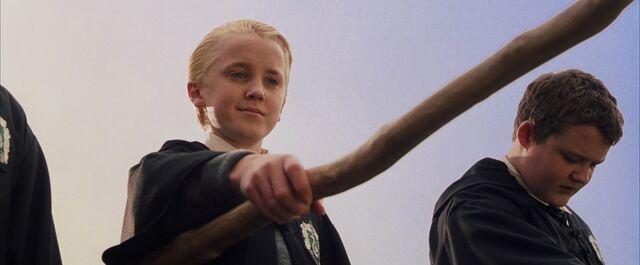 File:Draco flying lesson.jpg