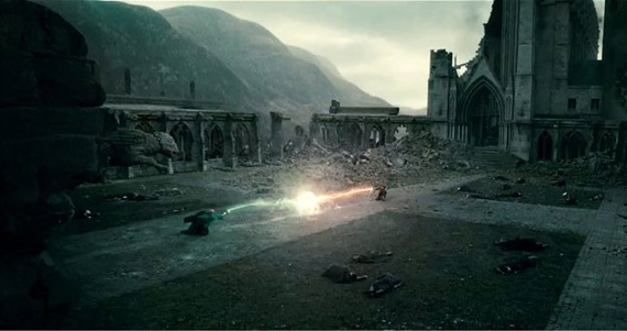File:Harry Potter and the deaathly hallows - the final battle scene.jpg