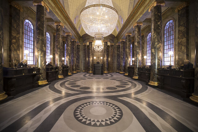 File:HP-and-the-Escape-from-Gringotts.jpg