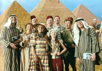 478px-The Weasley Family at Egypt