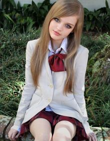 89e40d4df4e0cd36d65a Doll-like-girls 7