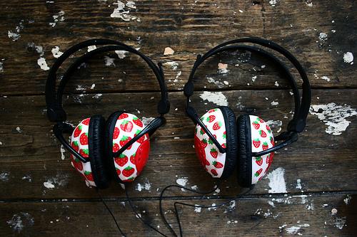 File:Pan's headphones.jpg