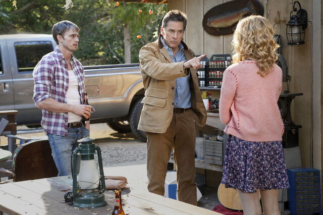 File:Hart-of-Dixie-Episode-1.16-Tributes-Triangles-Promotional-Photos-10.jpg