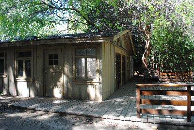 File:Set-gatehouse.jpg