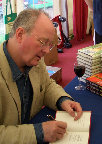 File:Philip Pullman01.png