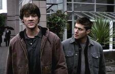 Supernatural 1x10 003