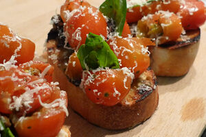 Bruschetta chrytomatoes