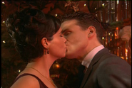 Jackie and Mike share their first kiss in Echoes of the Past