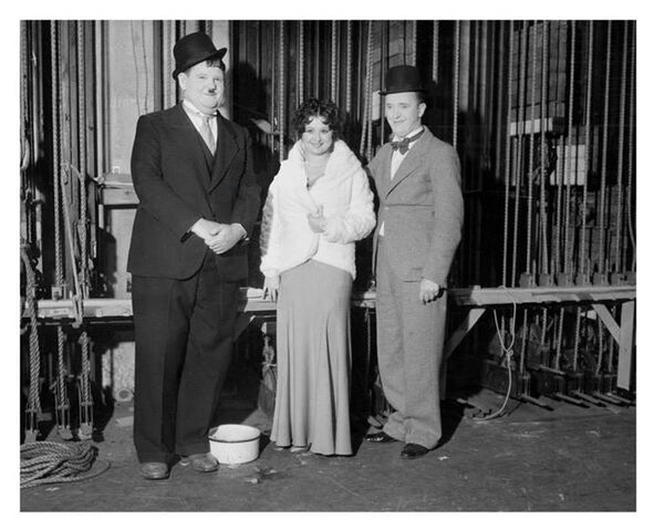 File:Laurel and hardy and helen kane.jpg