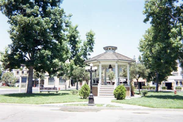File:Town Square.jpg