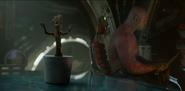 Little dancing Groot