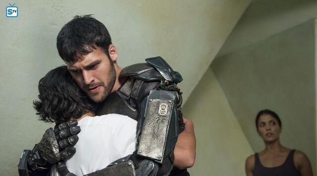 File:Jose and carlos hugging.jpg
