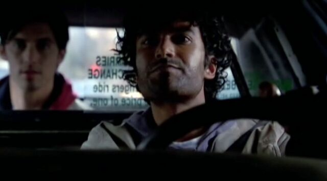 File:Mohinder and Peter in the taxi.jpg