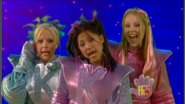 Girls Hi-5 Base To Outer Space 2