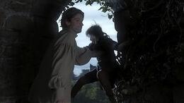 Jaime empuja a Bran HBO.jpg