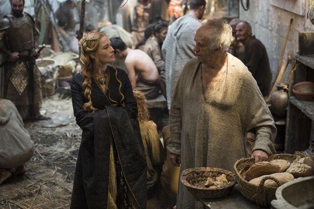 Archivo:Cersei y el Gorrión Supremo HBO.jpg