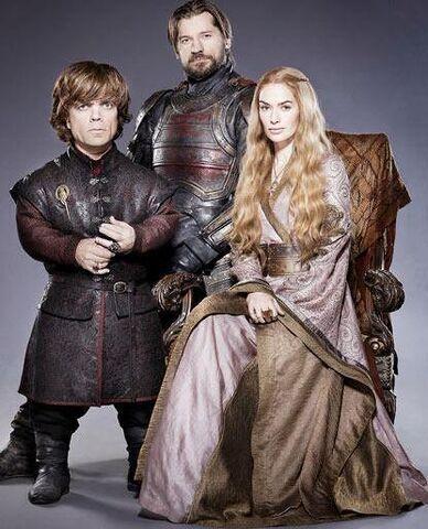 Archivo:Tyrion Jaime y Cersei HBO.jpg