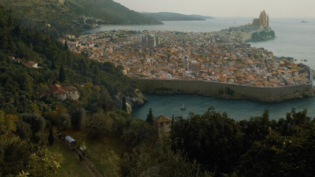 Archivo:King's Landing HBO.jpg
